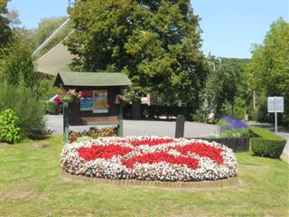 Batiflor parc jardin jardinier entretien entreprise for Contrat entretien jardin